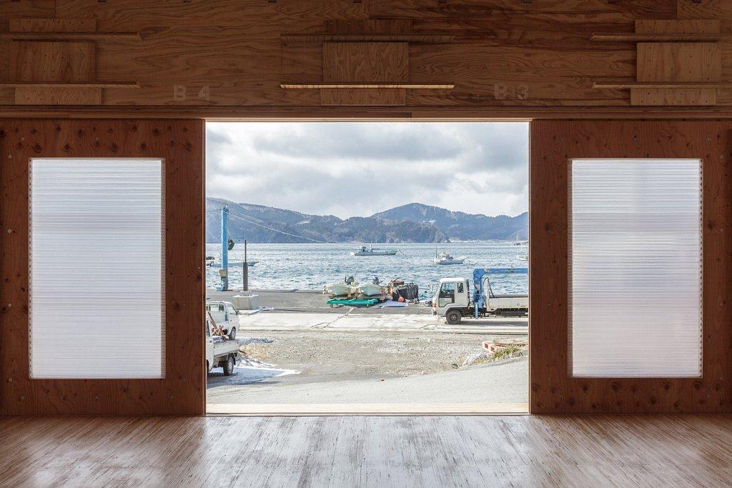 sliding door window